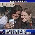 Little Girl Photobombs Moms Selfie   Selfies Lice Meanwhile In America 120x120c